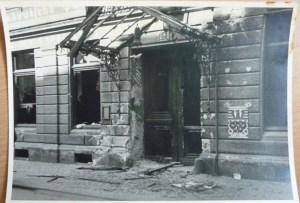 Poníčený hotel Viktoria po bojích